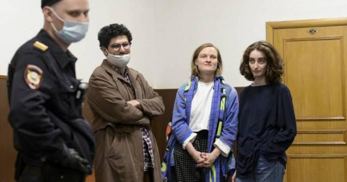Házkutatást tartott az orosz rendőrség egy diáklapnál, négy újságírót őrizetbe vettek