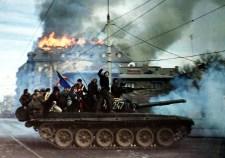 """Még a végén kiderül, hogy a romániai is a nyugat által irányított """"színes forradalom"""" volt…"""