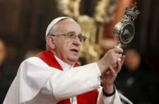Csoda Nápolyban: San Gennaro vére folyékonnyá vált Ferenc pápa jelenlétében