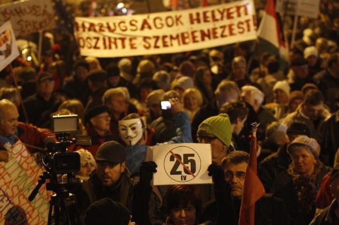 Megint tüntettek Budapesten