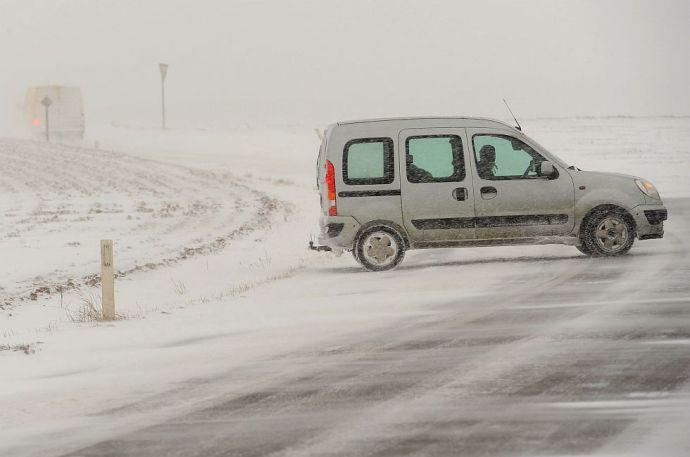 Jön a tél – figyeljen oda, ha autóba ül