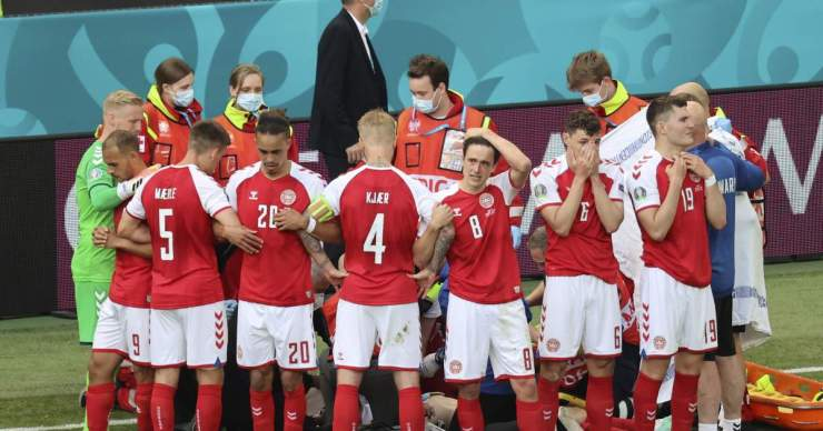Euro 2020: A dánok nem akarták folytatni, de a szövetség máshogy döntött