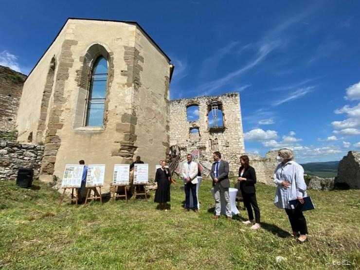 Több mint 4,8 millió euróból újítják fel a szepesi várat