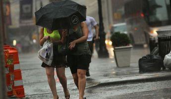 Jég, szélrohamok és eső vet véget a kánikulának