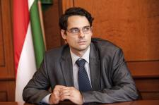 Cigány kurvának nevezte pártja kedvenc népcsoportjának egy példányát a fideszes, elítélték