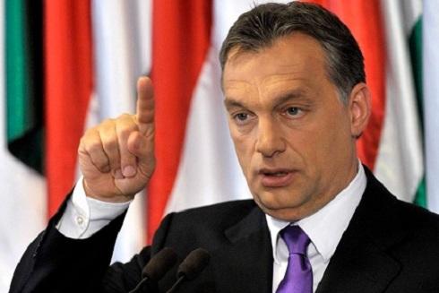 Orbán Viktor üzent- André Goodfriend álljon ki, legyen férfi, és vállalja, amit állít