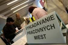Több száz embert bocsát el Szlovákiában két multinacionális óriásvállalat