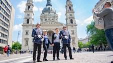 Új ruhában vetik be a rendőröket a budapesti belvárosban