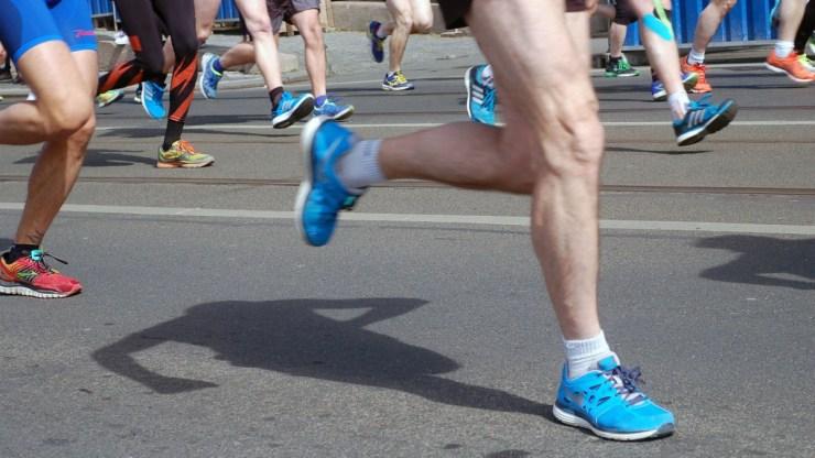 Futóverseny miatt változik a közlekedés vasárnap Budapesten