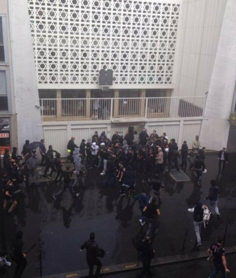 """""""Hitlernek igaza volt!"""" – Zsinagógát is megtámadtak a Gáza bombázása ellen tüntető bevándorlók Franciaországban"""