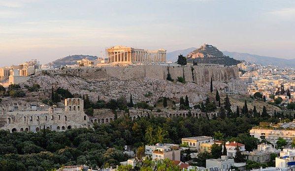 Görögország a szankciók ellenére katonai szerződést írt alá Oroszországgal