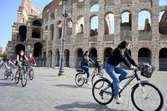 Koronavírus – Olasz kormányfő: június második felétől életbe lép az európai zöldigazolvány