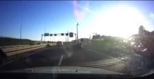 VIDEÓ: Csúnya véget ért egy rendőrségi üldözés
