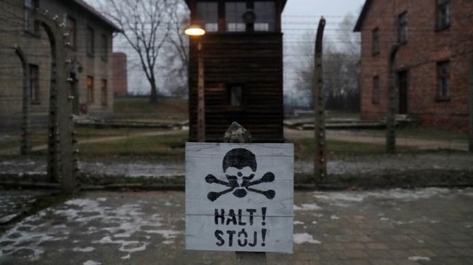 Lengyel elnök asszisztense: Izraelnek kínos, hogy a zsidók passzívan viselték el a holokausztot