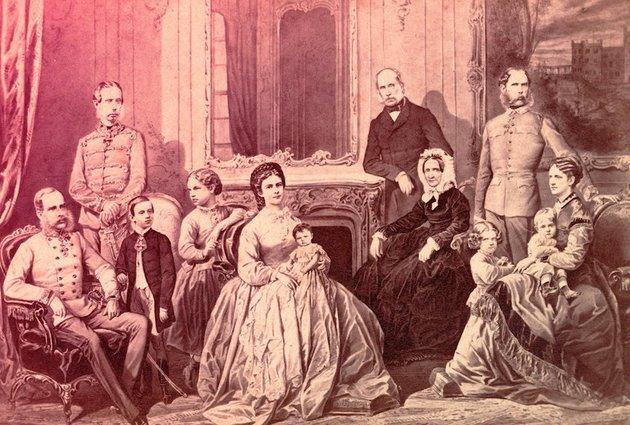Állt a bál: Zsófia főhercegné és Sisi csetepatéi a Burgban
