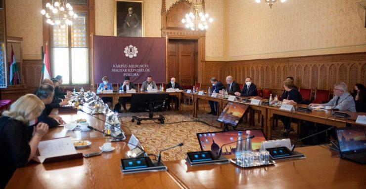 Ülésezett a Kárpát-medencei Magyar Képviselők Fóruma (KMKF) Regionális önkormányzati munkacsoportja