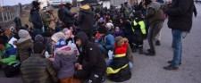 Álhírekkel csalták a határra a migránsokat