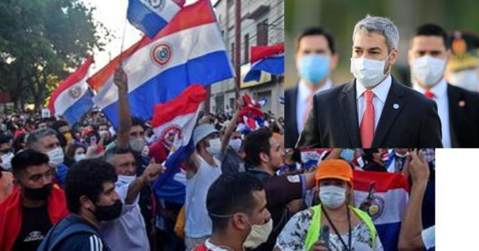 Nő a feszültség Paraguayban – sok ezer tüntető a fővárosban