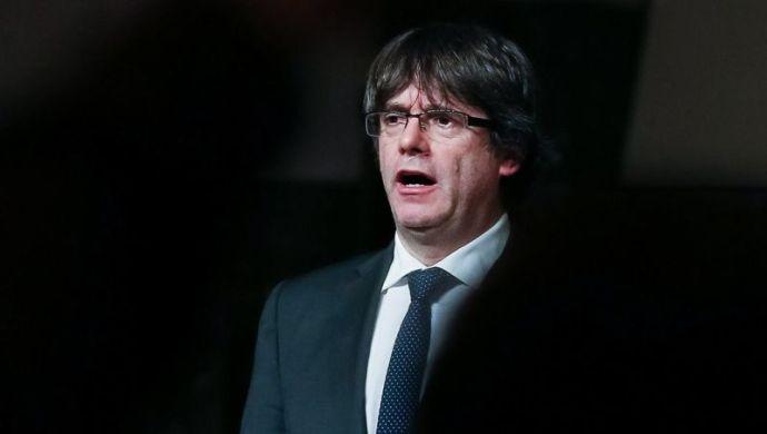 Puigdemont: lépjen az EU, hisz Spanyolország is visszaélt a demokráciával, mint Lengyelország és Magyarország
