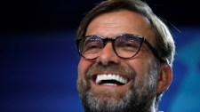 Sir Alex Ferguson megbocsátotta Jürgen Kloppnak a hajnali telefont
