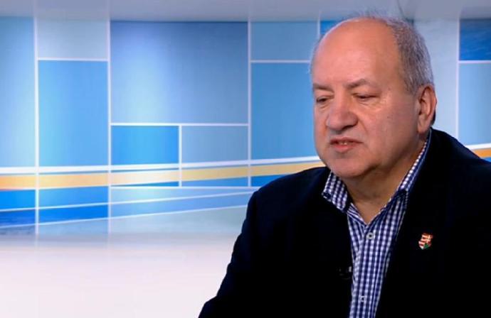 Korózs: Fel fogják gyújtani a minisztériumot