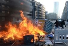 Összecsapások Frankfurtban az Európai Központi Bank ellen tüntetők és a rendőrség között