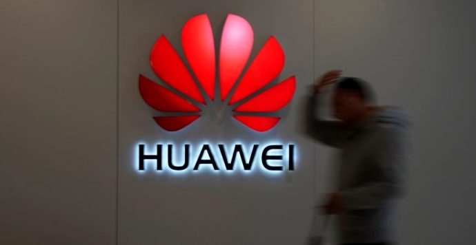A Facebook megtagadja a hozzáférést a Huawei okostelefonjaitól