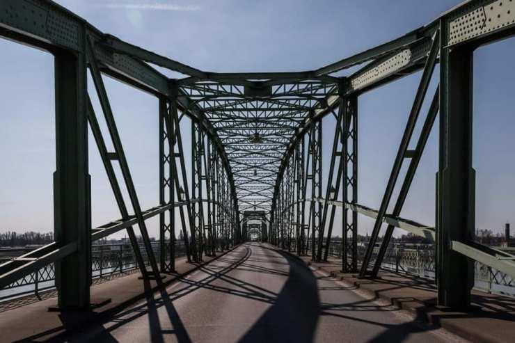 Hivatalos: Holnaptól a beoltottak számára szabadon átjárható lesz a szlovák-magyar határ
