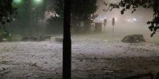 Itt van az ősz: Fél méternyi jég zúdult Rómára – videó