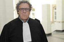 Luxemburgi sztárügyvéd: undorítóak és pofátlanok a román koldusok, bűzlik tőlük a levegő