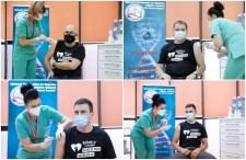Beoltatták magukat a kormány tagjai, az RMDSZ-es miniszterek feliratos pólóban vonultak fel