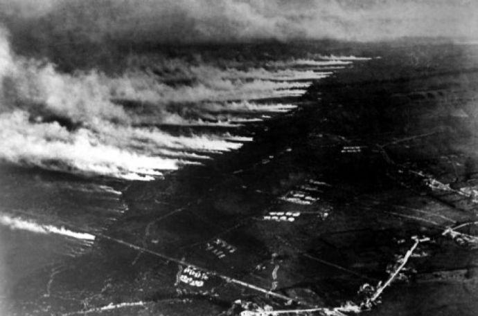 Percek alatt katonák ezreit ölte meg a sárgászöld felhő