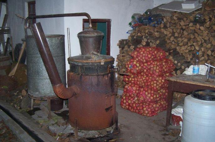 Surranópálya: így az otthon főzött pálinkát is el lehet adni