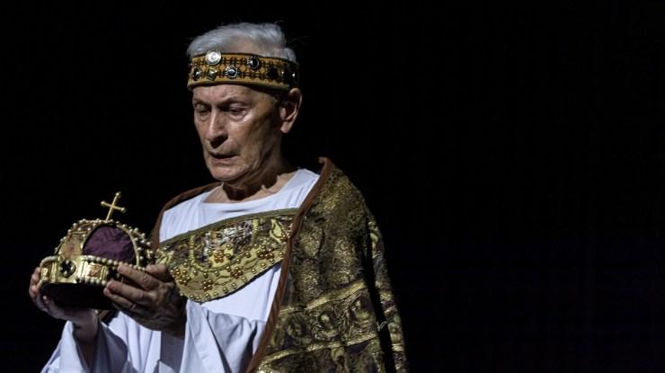 István király – Boráros Imre címszerepében a Soproni Petőfi Színház színpadán