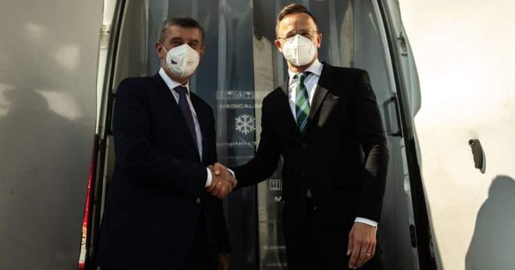 Már a cseh kormányfő is az EP célkeresztjébe került