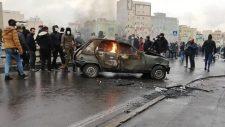 Külföldi fegyveres ügynökök lőnek a tüntetőkre és a rendőrökre Iránban
