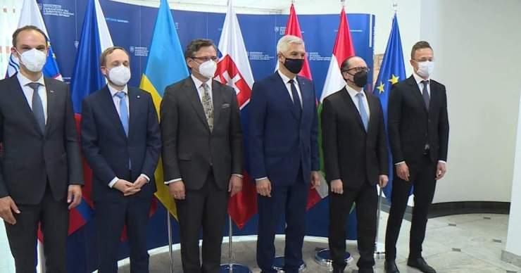 Szlovákiában tervek vannak, oltási igazolványok egyelőre nincsenek