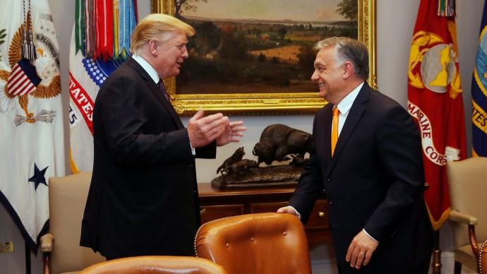 """Trump Orbánnak: """"Olyan, mintha ikrek volnánk!"""""""