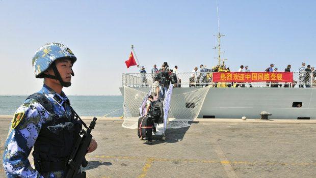 Katonai bázisok építését tervezi Kína szerte a világban