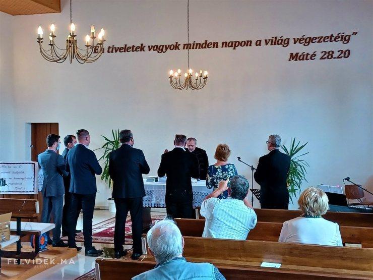A végvári ipolysági református gyülekezet őrállóinak fogadalomtétele