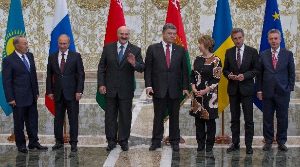 """Minszki tanácskozás: """"Porosenkónak szemtől szembe kellene beszélnie Putyinnal"""""""