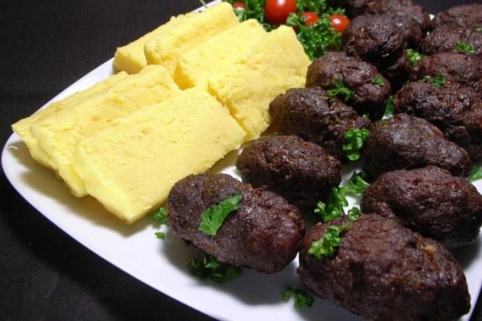 Nem román étel a mics és a puliszka