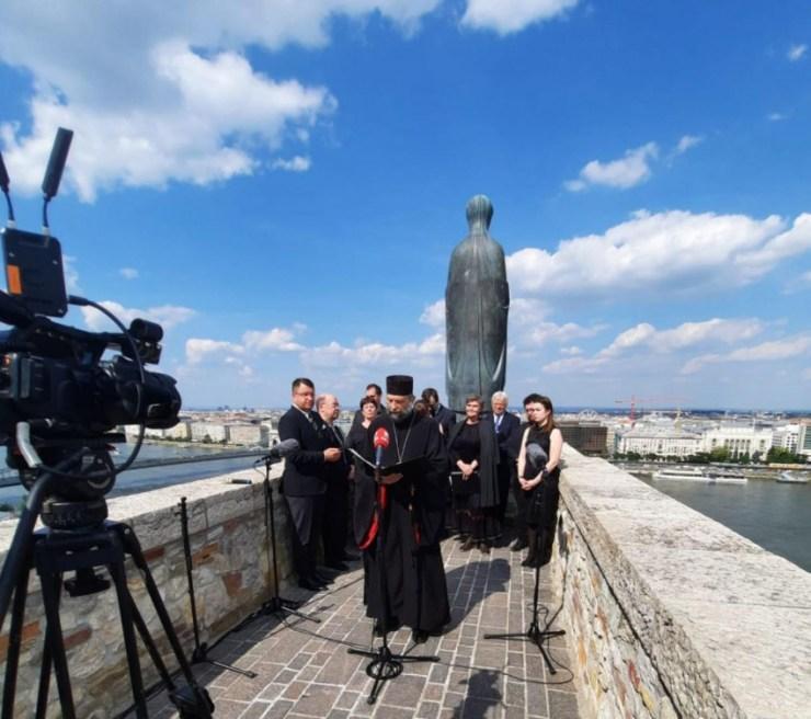 Kocsis Fülöp érsekkel együtt imádkozott a Mária Országa Imaközösség