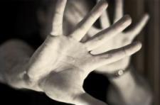 Édesanyát bántalmazott egy cigányasszony Sülysápon