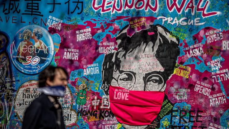 Kalapács alatt egy rejtélyes John Lennon-felvétel