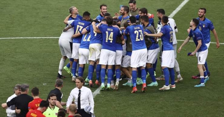Az olaszok három győzelemmel és kapott gól nélkül jutottak tovább