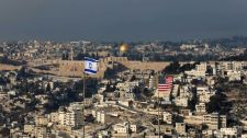 """""""Soha nem ismerjük el Izrael létét, mártírok milliói menetelnek Jeruzsálembe"""" – ismét megszállókra támadtak a palesztinok"""