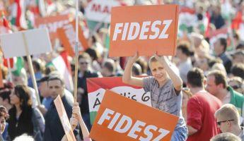 Ez a különbség Orbán és ellenfelei között
