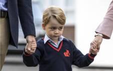 Anglikán főtiszteletes: Imádkozzanak a keresztények, hogy György herceg meleg legyen!