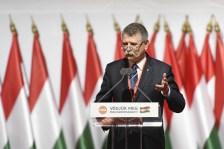 Nem találná ki, mivel védik a kormánypártok a lengyeleket